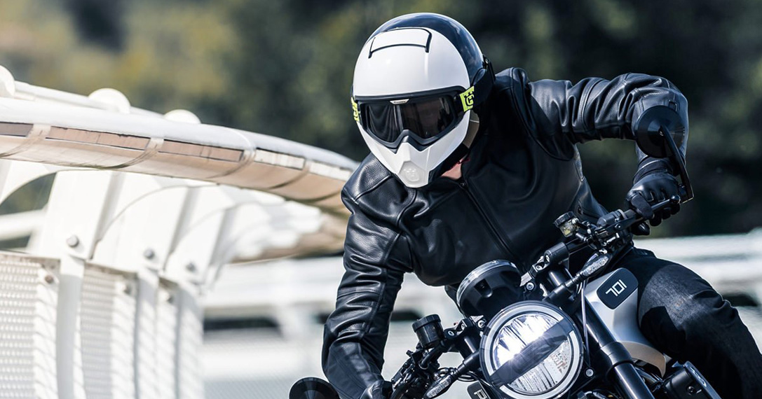 Top 3 Men's Motorcycle Helmets